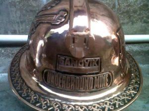 Helm Ukir tembaga